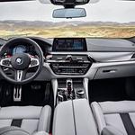Novi BMW M5 je dobil štirikolesni pogon, a z značajem zadnjega pogona (foto: BMW)