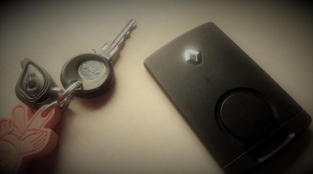 Tako preprosto je to: ADAC opozarja na možnost kraje avtomobilov z brezkontaktnim ključem (foto: Matevž Hribar)