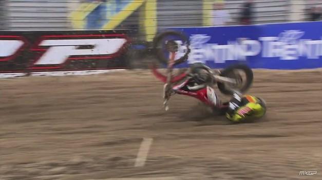 Video: nesrečni padec Tima Gajserja v prvi dirki MXGP v Assnu, Jernej Irt dvajseti (foto: MXGP Youtube)