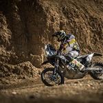 V Maroku KTM in Husqvarna s prenovljenima dirkalnikoma: 450-kubična s 70 'konji' na kolesu!