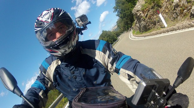 Opis ukradene opreme: Shoei XR1000, BMW Rallye 3, Alpinestars Durban Gore-Tex (foto: Matevž Hribar)