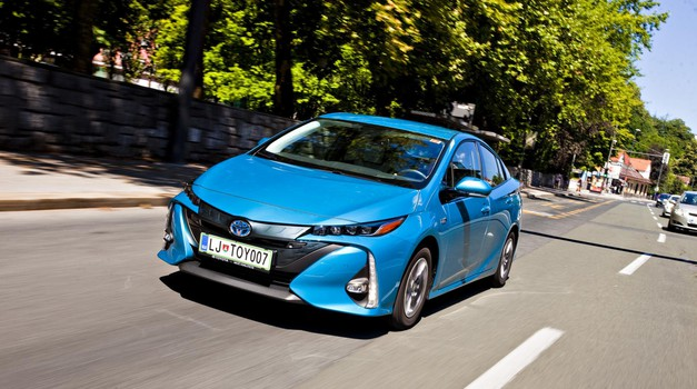 Test: Toyota Prius Plug-in Hybrid 1.8 VVT-i Sol (foto: Saša Kapetanovič)