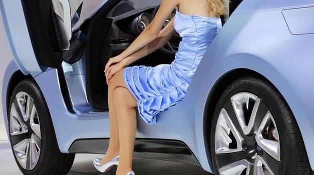 Kakšna dekleta privlači barva vašega avtomobila? (foto: Profimedia)