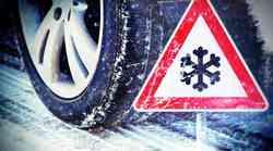 Zaradi zdrsa tovornih vozil v obe smeri zaprta primorska avtocesta