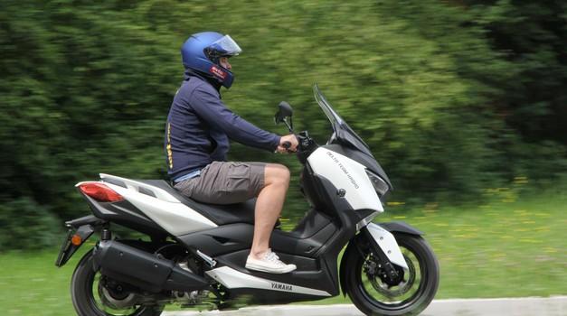 Test: Yamaha X-max 300 - bogato opremljen mestni bojevnik (foto: Peterk)