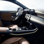 Mercedes Benz razkril notranjost novega razreda A (foto: Daimler)