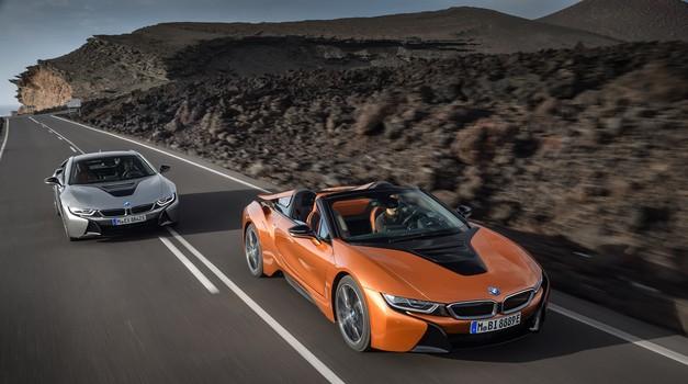 BMW s prenovljenim i8, poslej tudi kot roadster (foto: BMW)