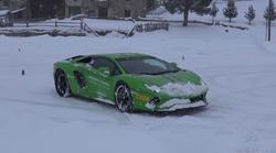 Driftanje z Lamborghiniji po snegu je zagotovo najboljša zimska zabava