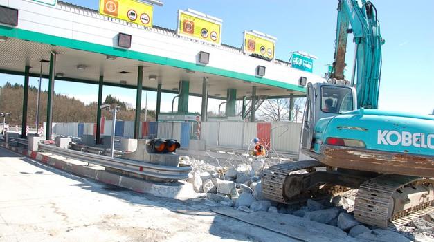 Dobra novica: prve cestninske postaje najverjetneje odstranjene še pred poletjem (foto: DARS)