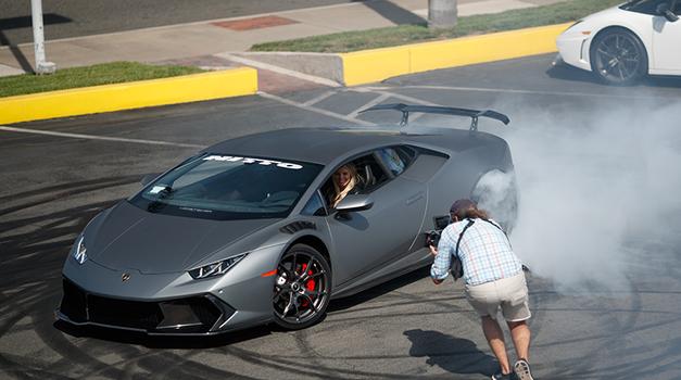 Video: kdo je spretna blondinka za volanom Lamborghini Huracana? (foto: Hübinette Stunts)