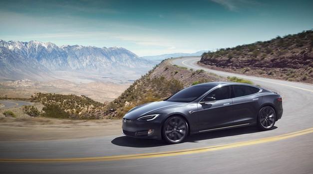 Tesla dviguje prodajne številke, a ne na račun Modela 3 (foto: Tesla)