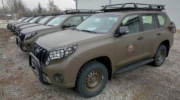 Slovenska vojska je prevzela Toyote Land  Cruiser (foto: Bruno Toič; Slovenska vojska)