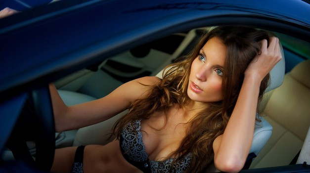 Kaj morate vedeti, preden uspešen zmenek zaključite kar v avtomobilu (foto: Profimedia)