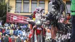 Dakar 2018-6: prvi trije motoristi v pol minute, v vodstvu Benavides s Hondo (video)
