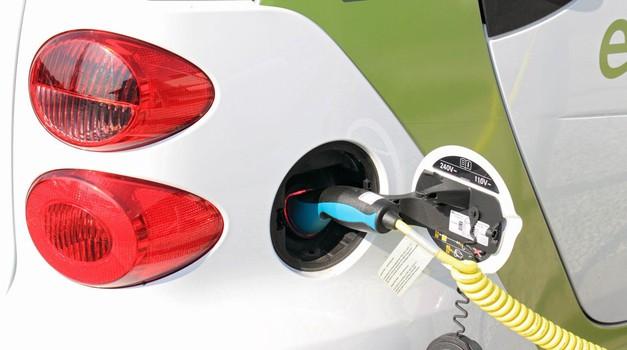 Raziskava KPMG: 'klasični' električni avtomobili niso prihodnost, a bodo ostali v proizvodnji (foto: Profimedia)