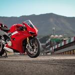 Prvi vtis: Panigale V4S je z naskokom številka ena! (foto: Ducati)