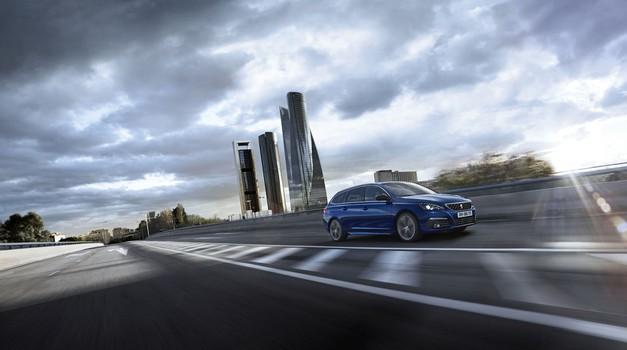 Peugeot 308 je dobil novi osemstopenjski samodejni menjalnik (foto: PSA)