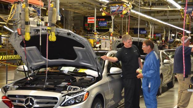 Geely pred nakupom največjega deleža v Daimlerju? (foto: Arhiv AM)