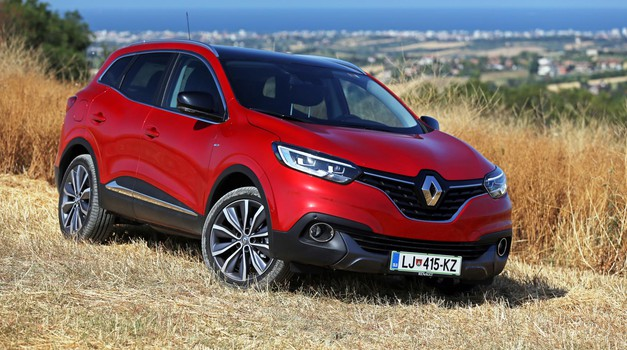 kratki test renault kadjar bose energy tce 165 testi avto magazin. Black Bedroom Furniture Sets. Home Design Ideas