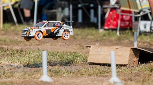 V Vipavski dolini bodo 'zagrmeli' miniaturni reli dirkalniki (foto: RC Rally Vipavska dolina)