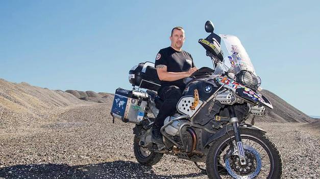 Motorist Željan Rakela v Ljubljani o svojih 300.000 kilometrih