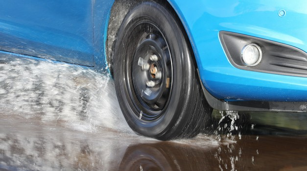 AMZS test letnih gum: preizkušenih 30 gum dveh dimenzij (foto: AMZS)