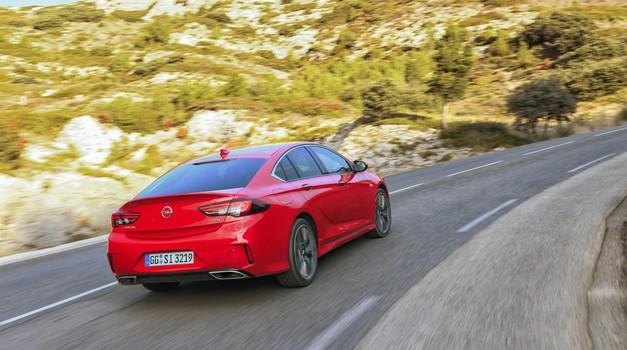 Opel Insignia GSi je najhitrejša (foto: Opel)