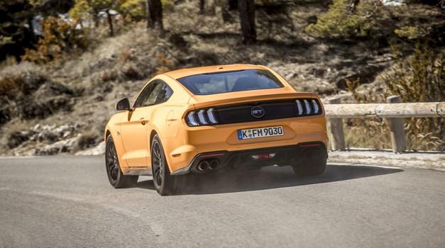 Prišel, videl, zmagal!; vozili smo novega Forda Mustanga (foto: Ford)