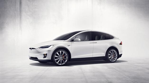 Avtonomni avtomobili tarča kritik ameriških senatorjev, zahteve po ureditvi zakonodaje (foto: Tesla)