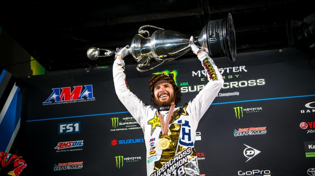 Monster Energy Supercross: Anderson spisal zgodovino (video)