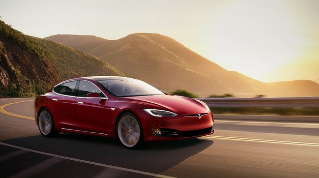 Tudi Tesla ni imuna za serijske napake v vozilih (foto: Tesla)