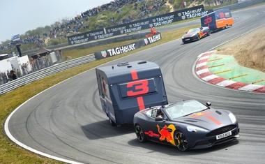 Video: Red Bull na Nizozemskem pripravil uničujočo dirko prikolic
