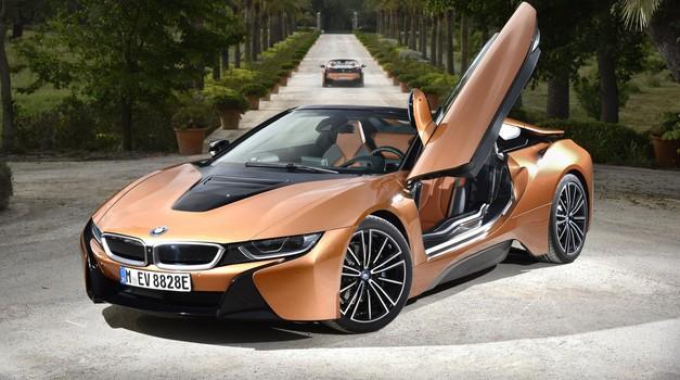 BMW i8 Roadster je zgoraj brezzz (foto: Saša Kapetanovič)