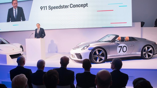 Porsche Mission-E dobiva novo ime: Taycan; predstavljen novi Speedster (foto: Porsche)