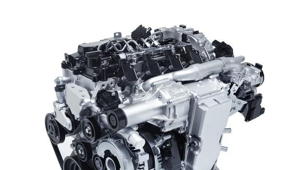 Mazda predstavila novo generacijo bencinskih motorjev SkyActiv-X (foto: Newspress)