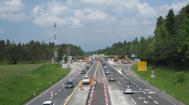 Dela na avtocestnem križu: kje lahko poleti pričakujemo zastoje? (foto: DARS)