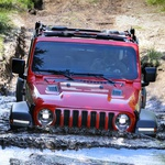 Jeep Wrangler ostaja še naprej pravi terenski bojevnik (foto: Newspress)