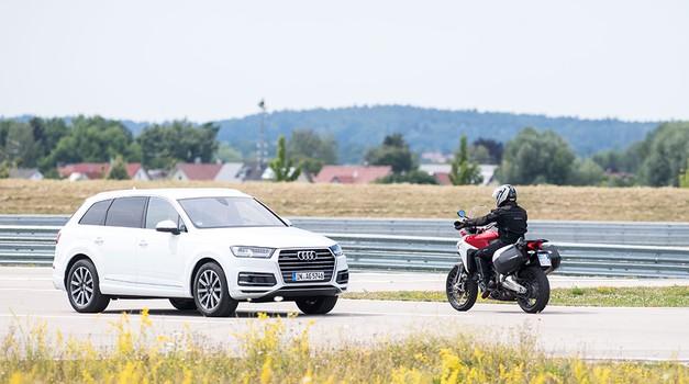 Varni motocikli prihodnosti: Ducatiji bodo komunicirali z drugimi vozili in infrastrukturo (foto: Ducati)