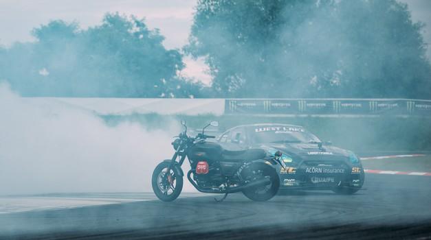 Podaljšan test: Moto Guzzi V7 III Carbon - dim za junaka