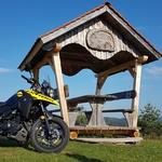 Podaljšan test Suzuki V-Strom 250, 2. del: ko se nanj usede velikan