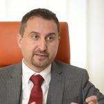 """Igor Velov, direktor AVP: """"Sem privrženec manjših kazni in stalnega nadzora."""" (foto: Primož Predalič)"""