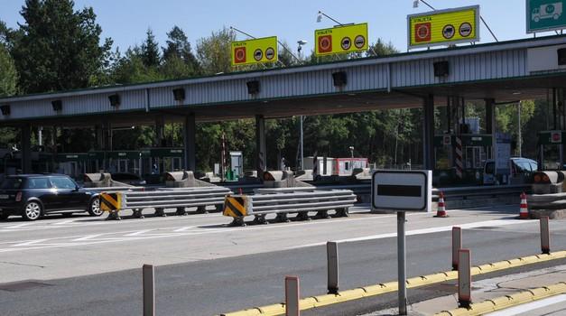 Podiranje cestninskih postaj: prva dela so zaključena, a do konca je še dolga pot (foto: DARS)