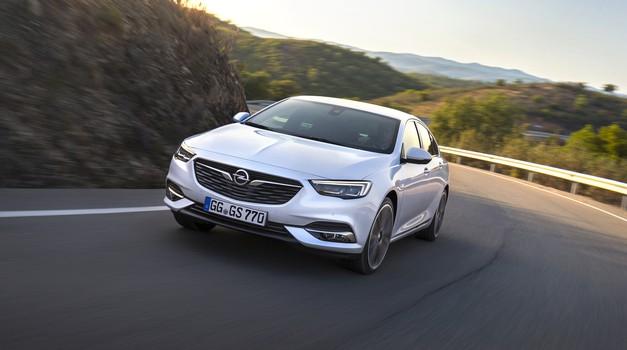 Opel je Insignii namenil nov bencinski motor (foto: Opel)