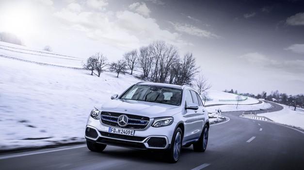 V Mercedesu-Benzu GLC F-Cell je združeno 24 let znanja (foto: Daimler)
