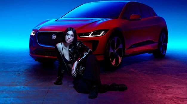 Jaguar sodeluje z britansko pevko kosovskega rodu Duo Lipa (foto: Jaguar Land Rover)