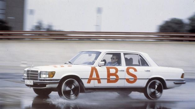Protiblokirni zavorni sistem ABS praznuje 40 let (foto: Daimler AG)