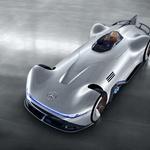 Mercedes Benz je obudil legendarno srebrno puščico (foto: Daimler AG)