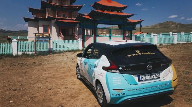Nissan Leaf se je s Poljske uspešno pripeljal na Japonsko (foto: Nissan)