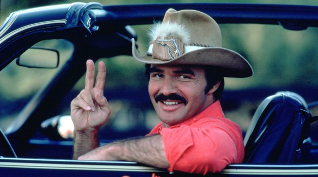 Umrl je Burt Reynolds, hollywoodska legenda s pečatom v avtomobilskem svetu (foto: Profimedia)