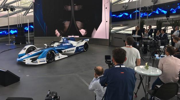 BMW je predstavil električni dirkalnik za peto sezono formule E (foto: Saša Kapetanovič)